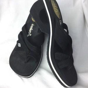Skechers Toe Loop Cali Wedge Sandals Gel Heel